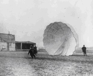 round parachute used back in early 1900s