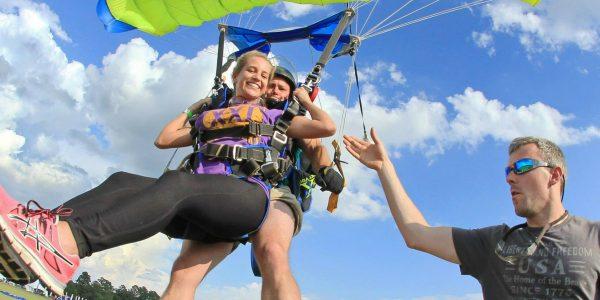 tandem skydiving landing at skydive paraclete xp