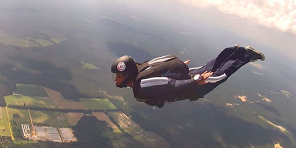 How to become a skydiver: Dee Caminiti