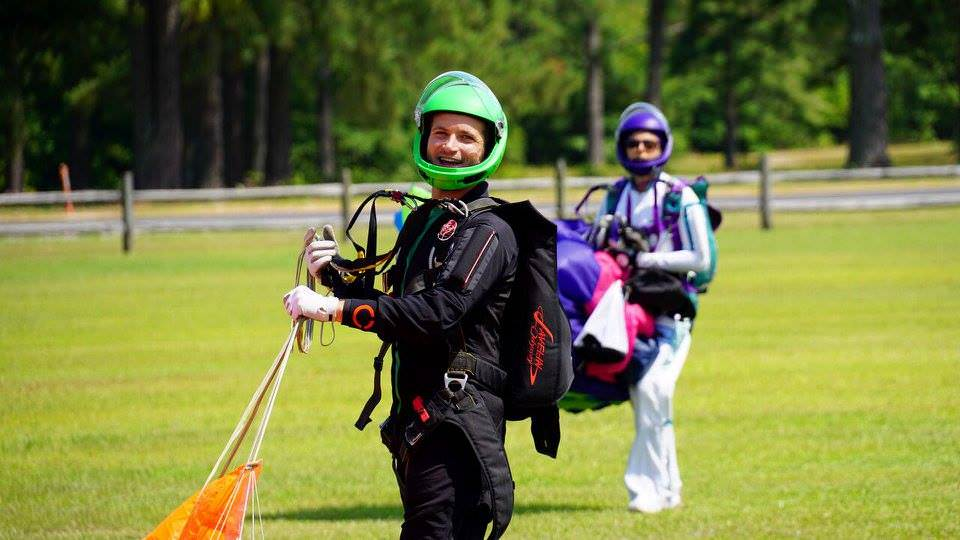 skydiving for couples
