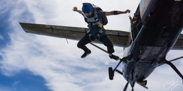 fall when skydiving